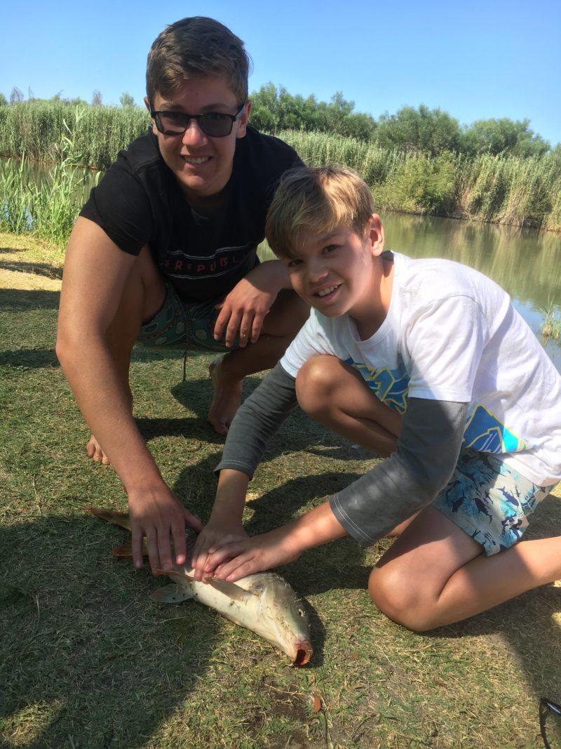 Rivierzicht - Fishing