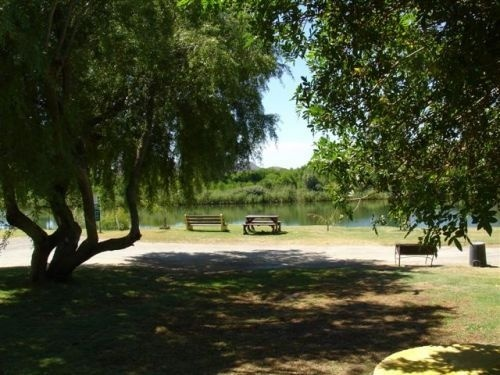 Silwerstrand River Estate - Benches